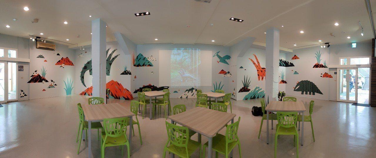 新銳藝術家徐至宏將看似童趣,卻富愛護自然意涵的的怪獸畫上牆面,打造全新「思空間」...