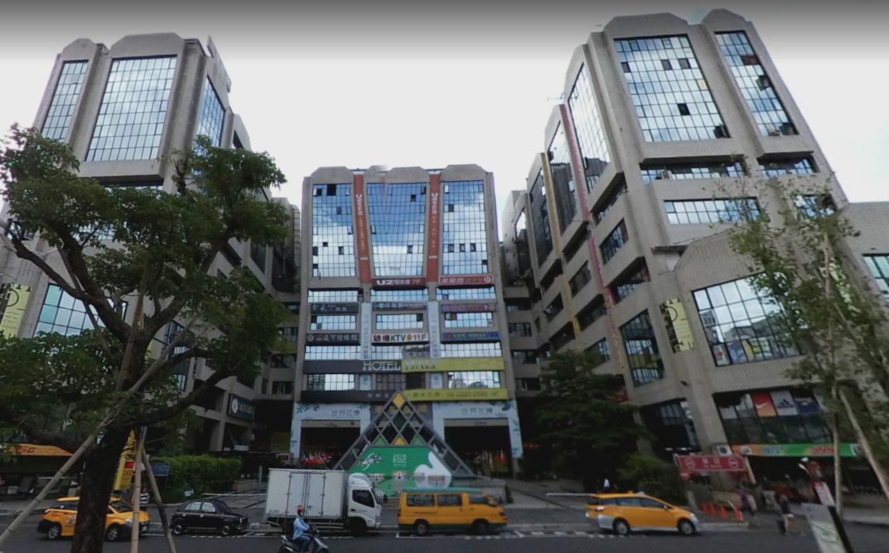 台中市知名景點東協廣場今年6月間傳出有男童遭人拐走。圖/摘自google map