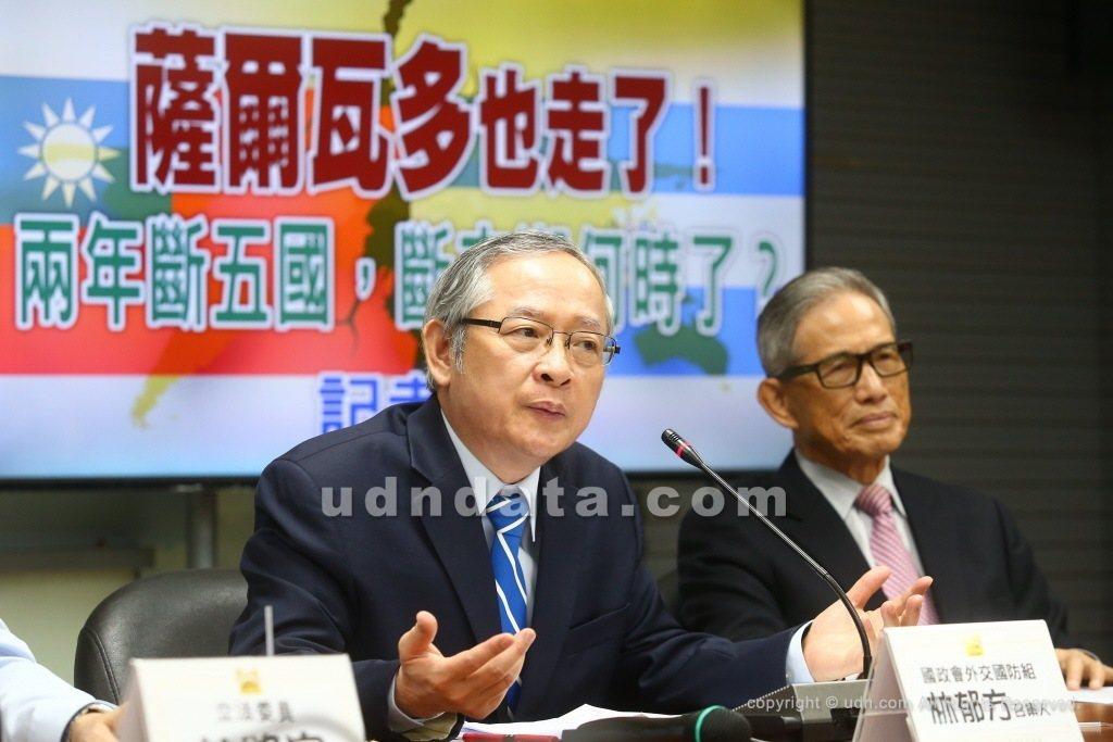 林郁方(左)。聯合報系資料照片
