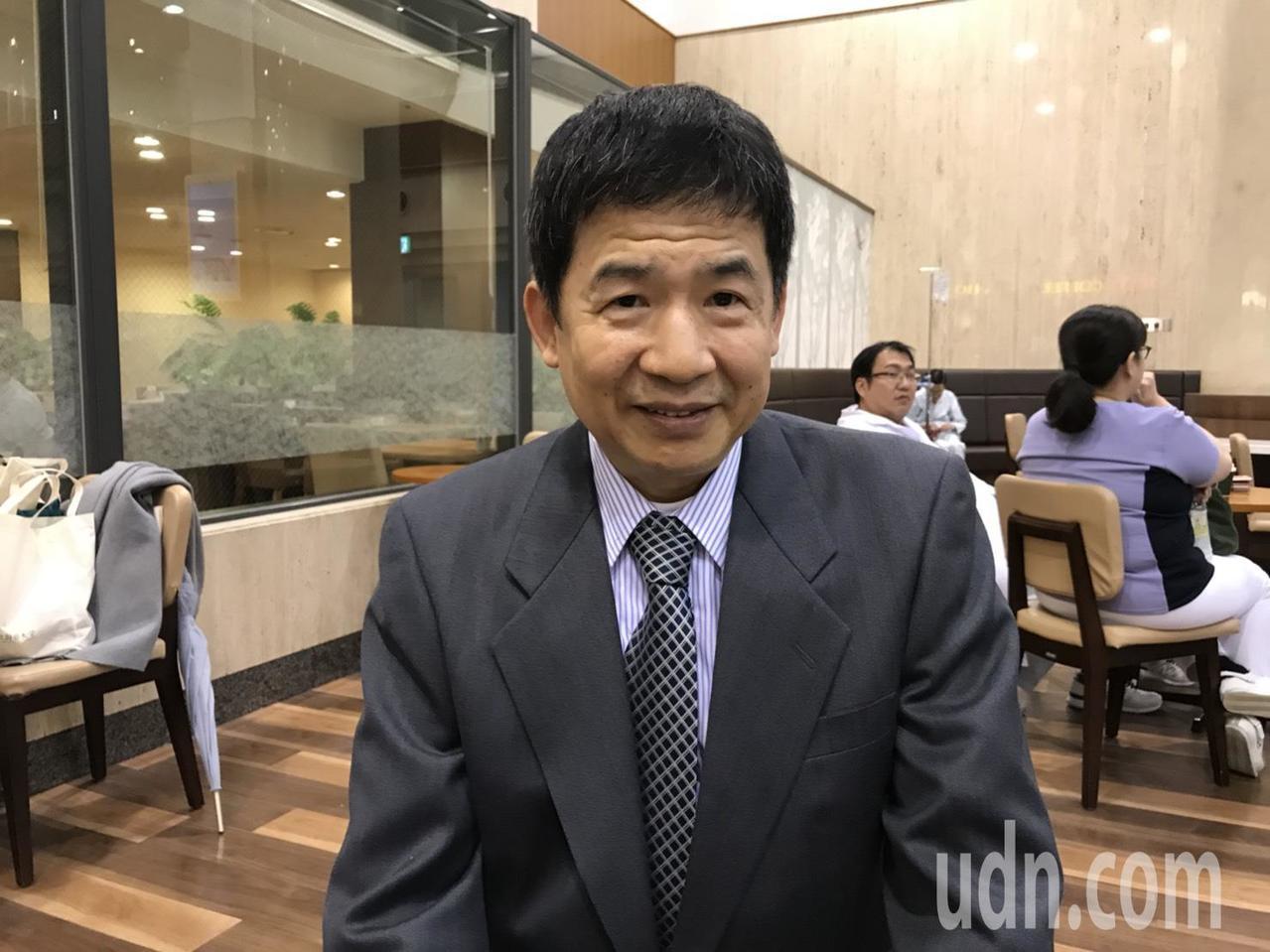 65歲的孫日輝在北海道當牙醫達35年,高峰期曾經一天要看50、60位病人。記者馮...