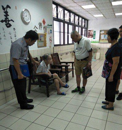 76歳陳姓瘖啞男子被安置20年,身分終於解開。圖/警方提供