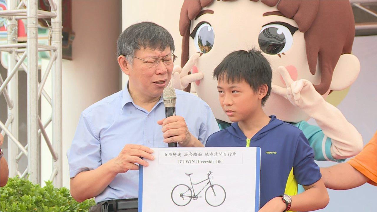 台北市長柯文哲(左)。聯合報系記者莊昭文/攝影