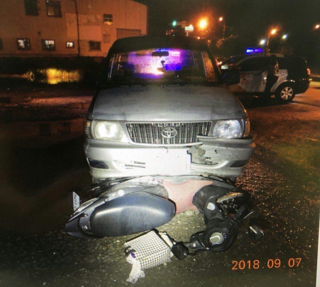 陳姓男子酒駕撞到機車拖行4公里。圖/翻攝畫面