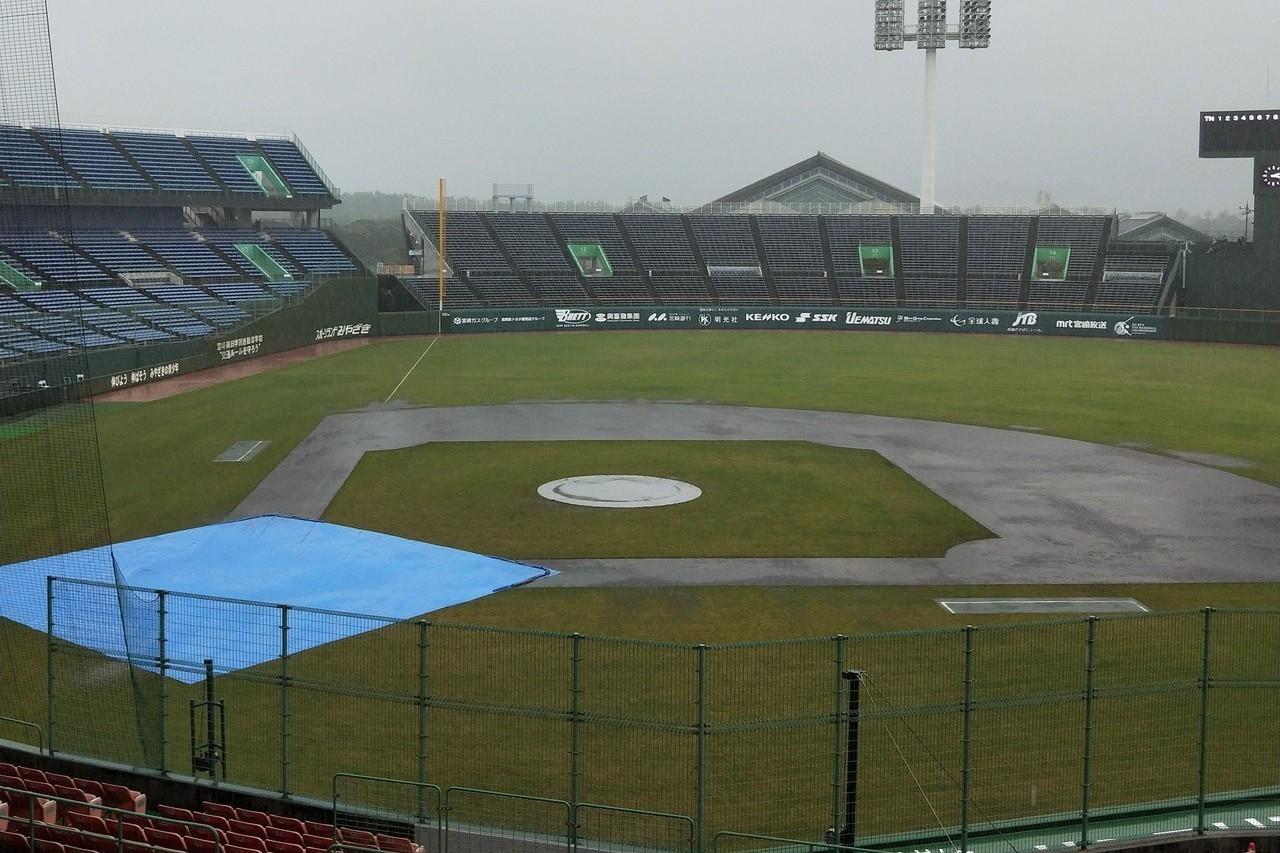 U18亞青賽4強複賽中韓戰,因下雨取消,兩隊將直接打冠軍戰。 記者婁靖平/攝影