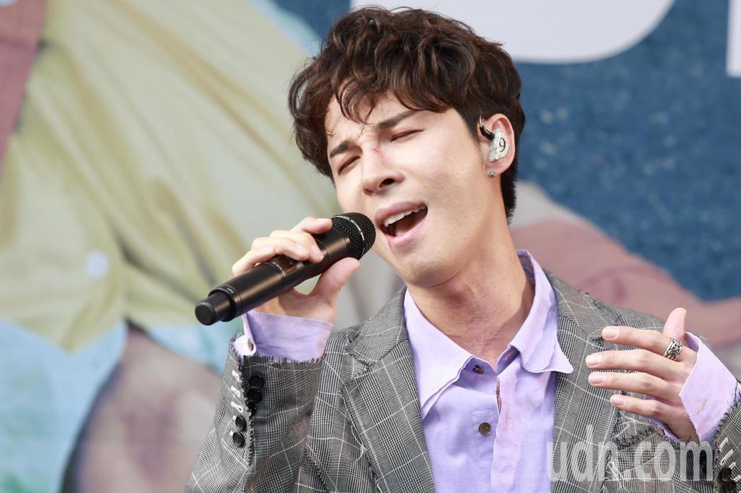 陳勢安下午在台北舉辦專輯《壞掉的我們》簽唱會。記者林伯東/攝影