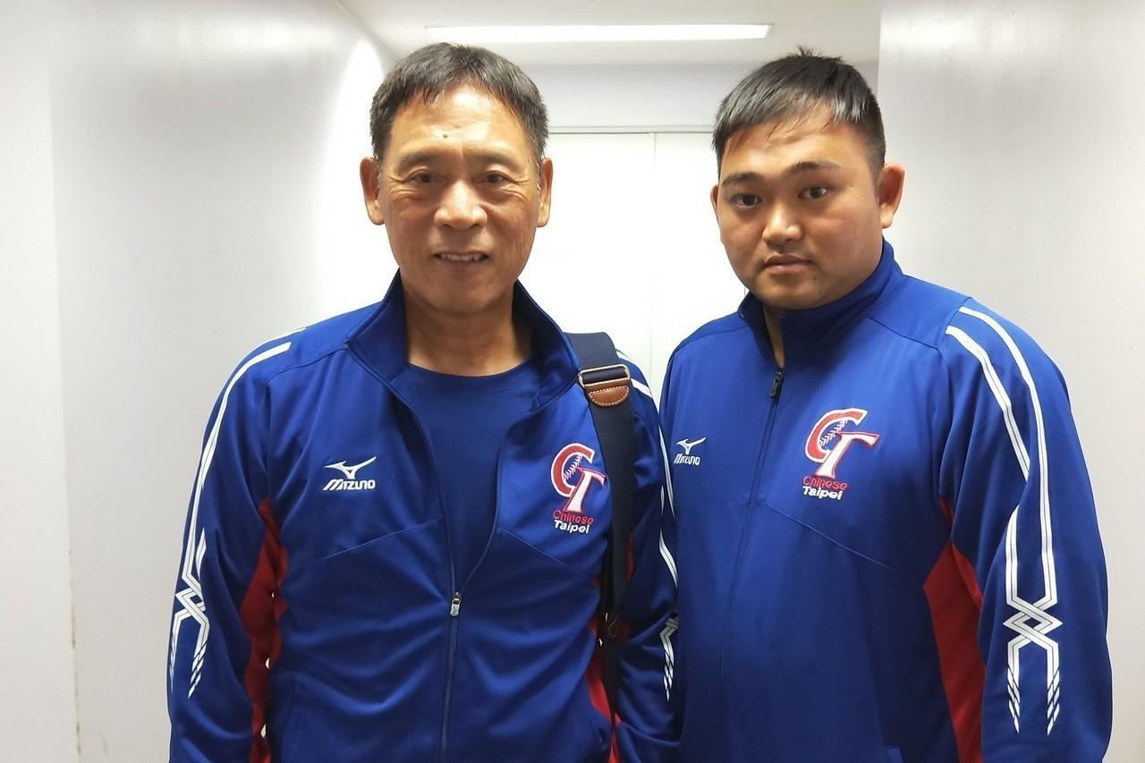 中華隊總教練李來發(左)和教練謝豐駿。記者婁靖平/攝影