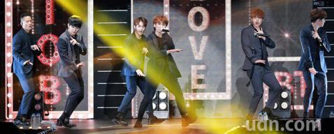 韓團BTOB下午在新莊體育館舉行演唱會。