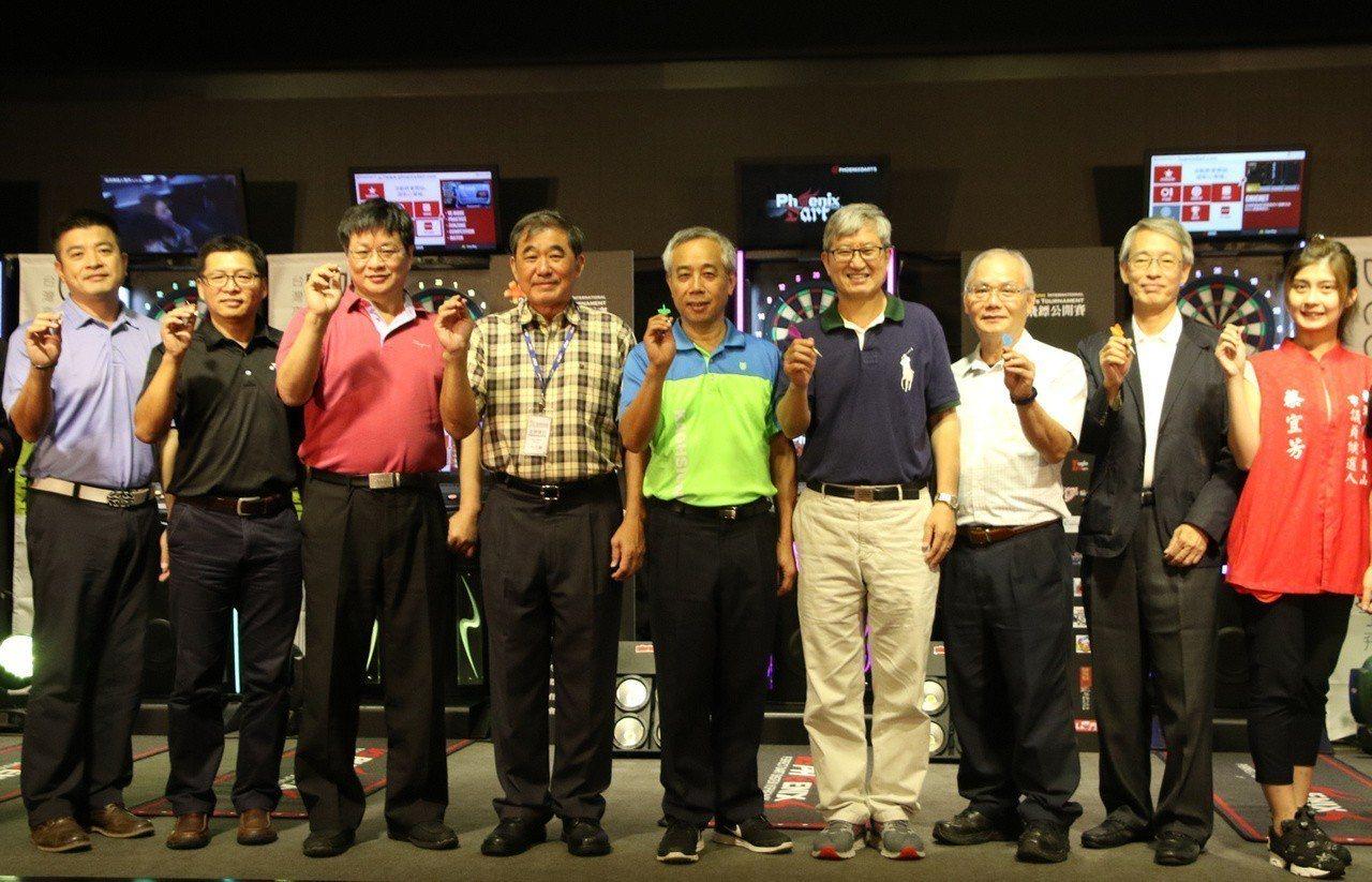 「2018高雄國際飛鏢公開賽」在高雄國賓大飯店國際廳舉行。圖/高雄市運動發展局提...
