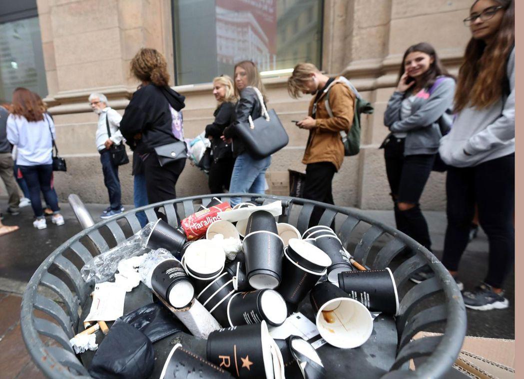 聽到「星巴克」,有義大利人認為是沒味道、用塑膠杯或紙杯裝的摻水美國咖啡。 (歐新...