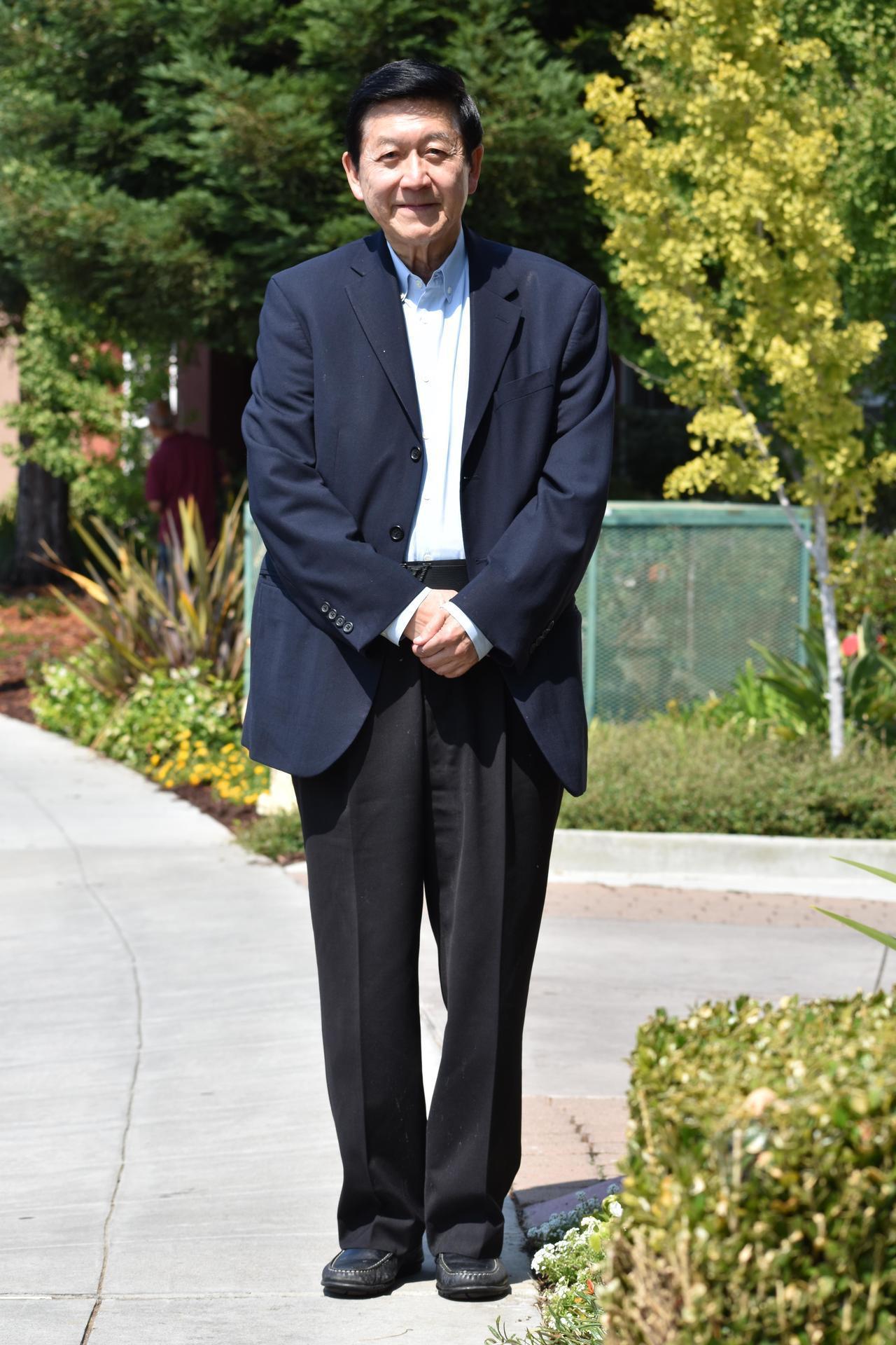 華埠兒科醫師李家仁在行醫50年後退休。 世界日報記者李秀蘭/攝影