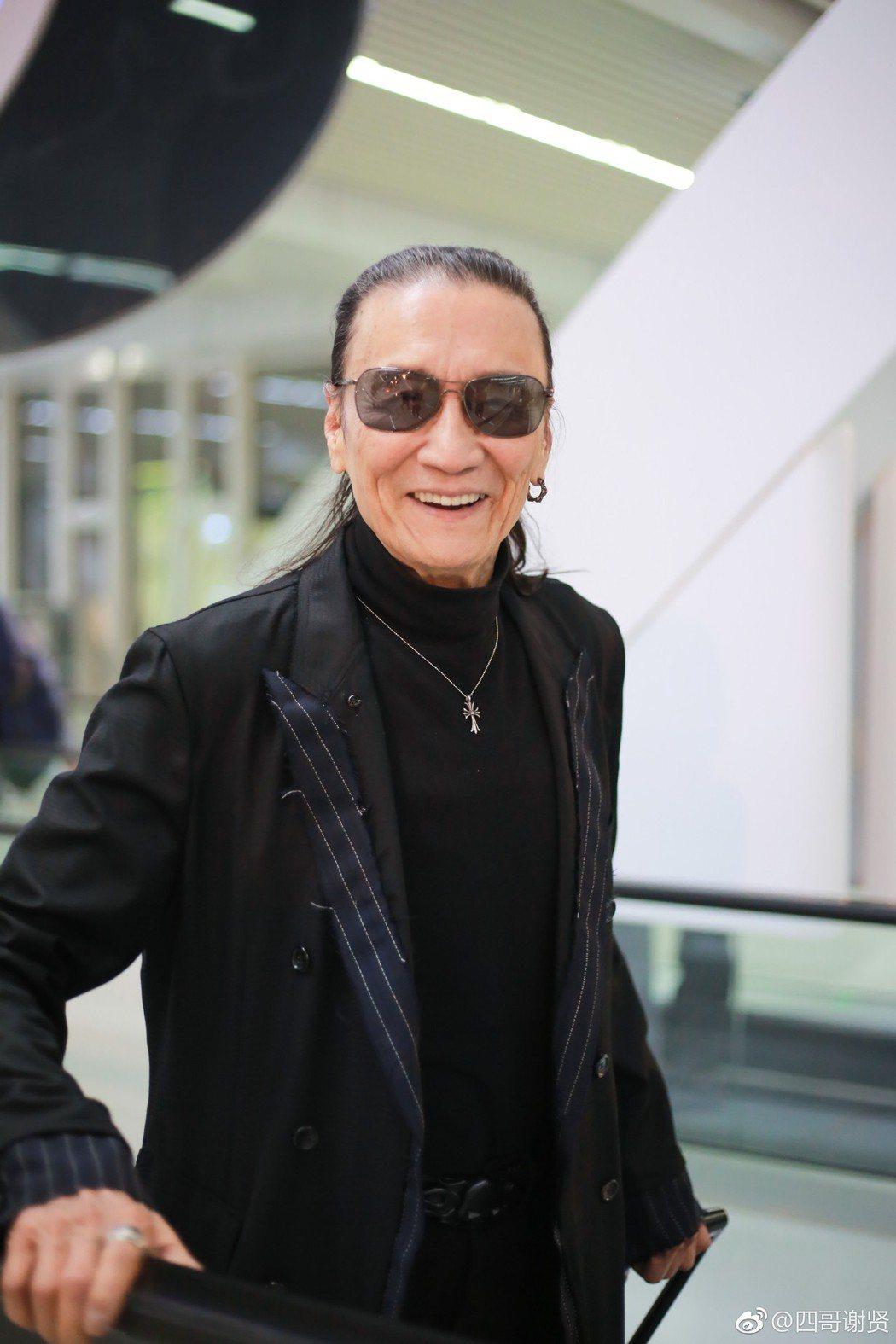 謝賢總是戴著墨鏡示人。 圖/擷自謝賢微博