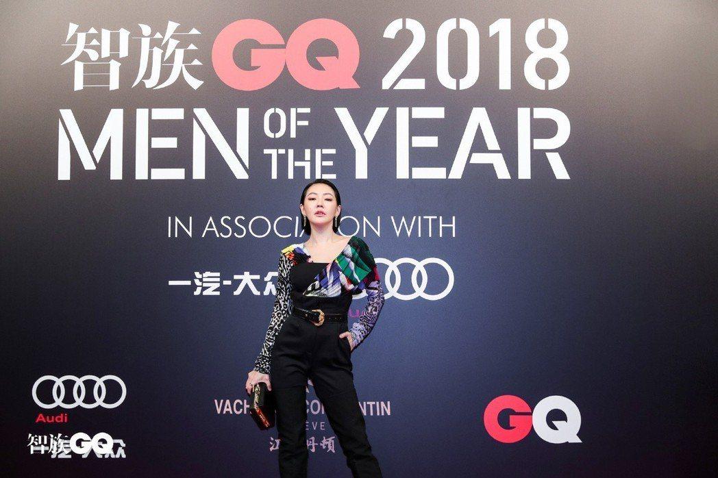 小S霸氣出席頒獎典禮。圖/摘自微博