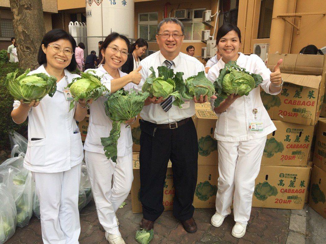 南投醫院鼓勵民眾多吃高麗菜、花椰菜和紅蘿蔔等蔬菜,可以預防大腸癌等長胃疾病發生。...
