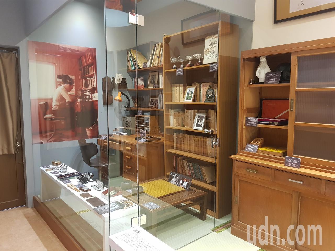 王育德紀念館當中仿照他當年的書房 記者修瑞瑩/攝影