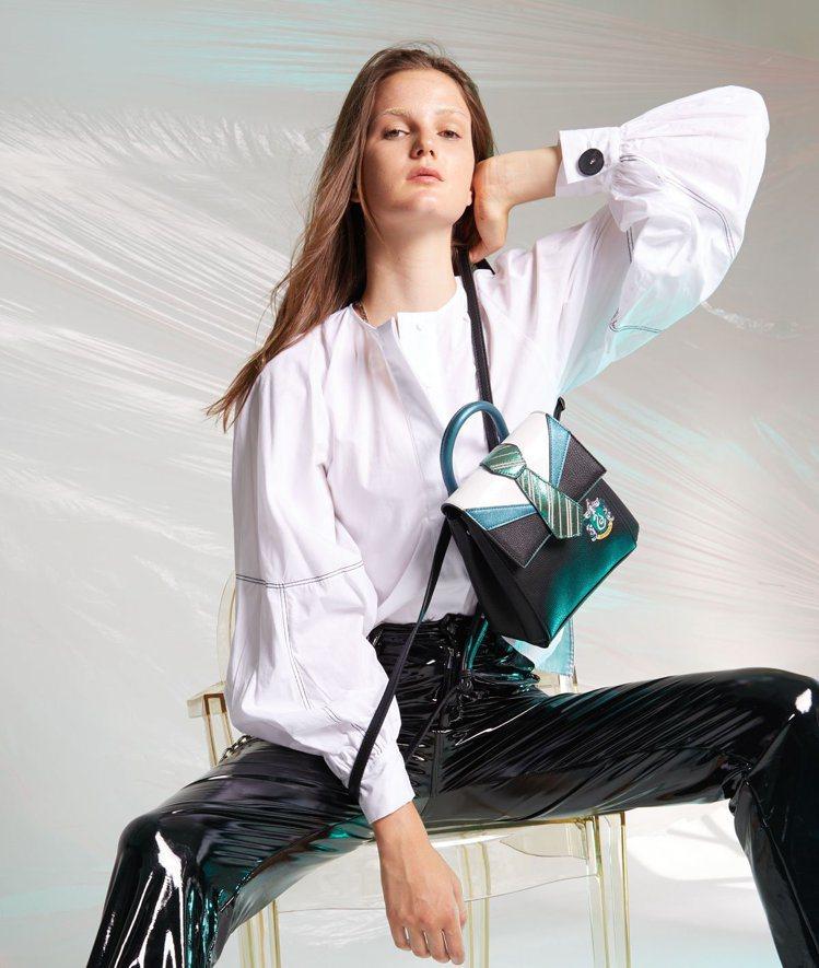 史萊哲林制服後背包。圖/摘自Danielle Nicole官網