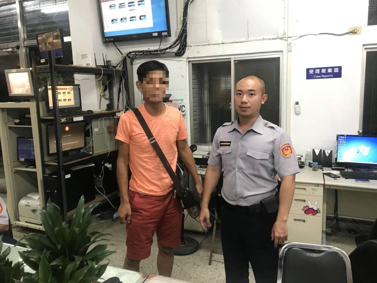 警方阻止陳姓男子被騙。記者廖炳棋/翻攝