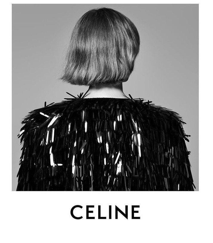 CELINE把原本的「É」重音去掉,字距縮緊,此靈感來自1960年代曾出現過的L...