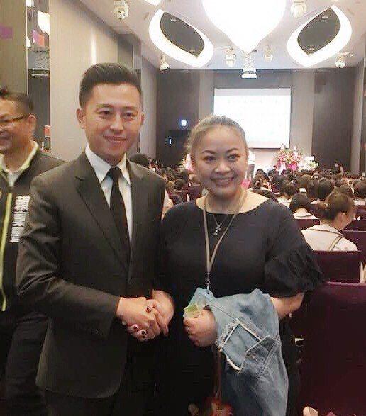 新竹市長林智堅感謝呂淑雅護理師與所有第一線護理人員的耕耘與付出,期望民眾在看到他...