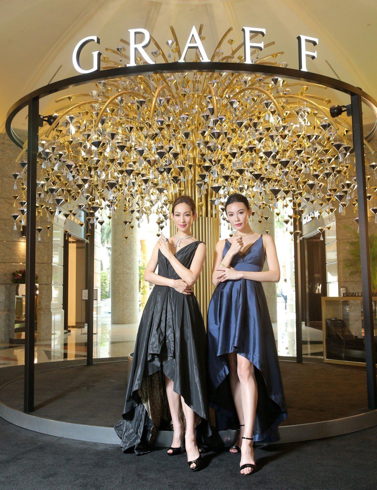 珠寶展期間,BELLAVITA新店門口設置一棵鑽石願望樹,可親手許下願望並拍照打...