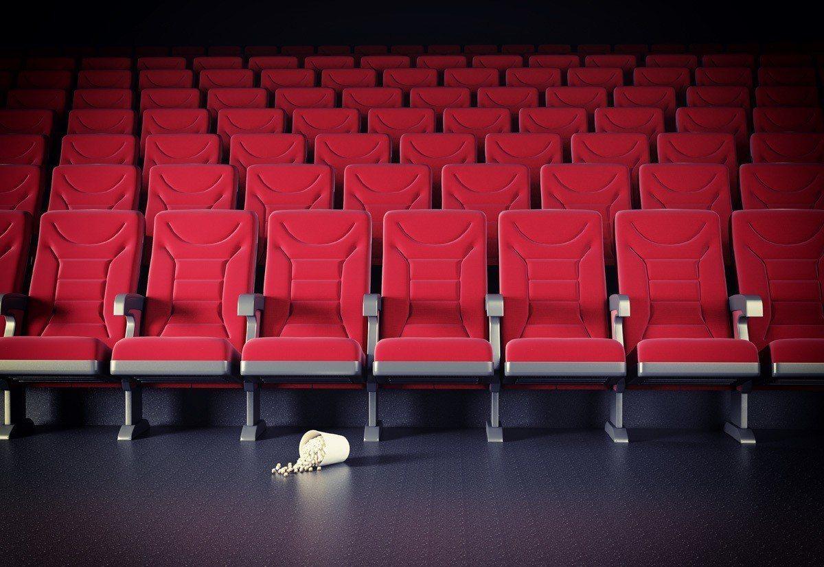 示意圖。女網友和室友到電影院看恐怖片,坐到別人的尿比鬼片還可怕。圖/ingima...