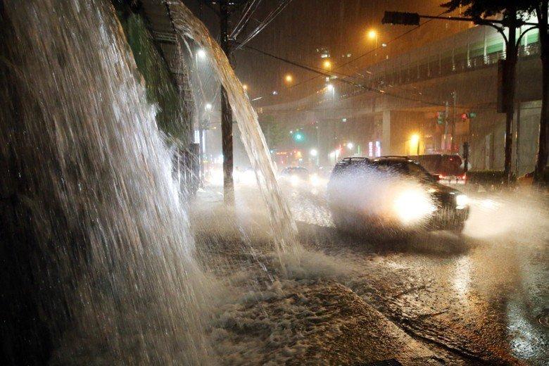 9月8日,基隆降下暴雨,圖為基金一路。 圖/聯合報系資料照