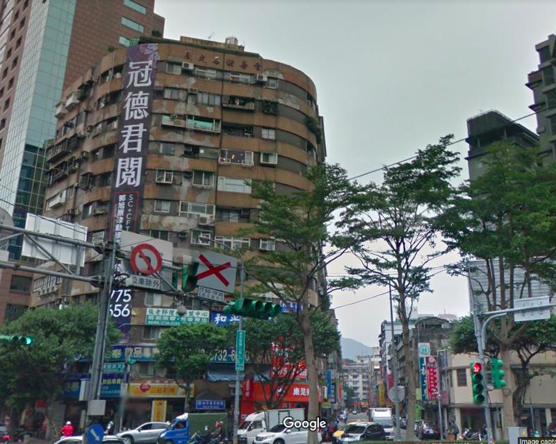台北市基隆路二段上一棟大樓開出招租條件「30歲以下女性、細心、會照顧人」便可免費...