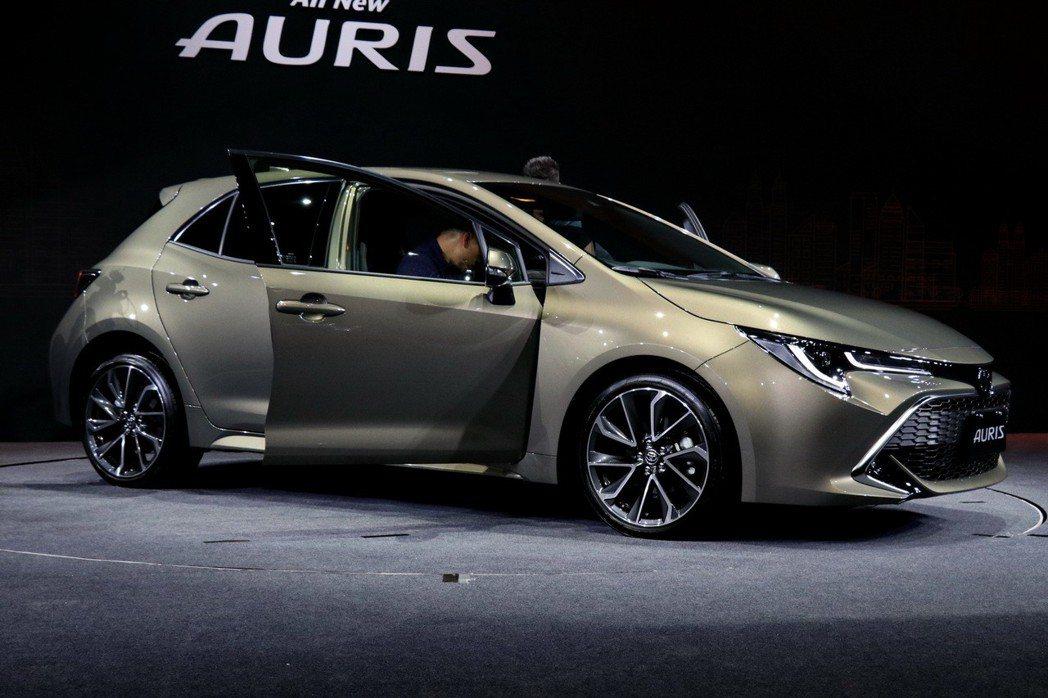 AURIS搭載新世代「高剛性底盤」及「獨立雙A臂後懸吊」。TOYOTA新世代高剛性底盤以低重心設計,有效減少過彎側傾,提升高速過彎的穩定性,提升駕駛安心感及乘坐舒適性。 記者陳威任/攝影