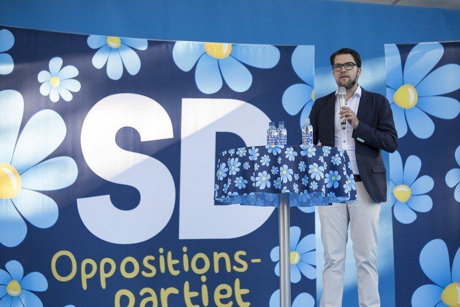 瑞典大選初步結果出爐,極右派的瑞典民主黨成為關鍵少數。圖為瑞典民主黨主席奧克森。...