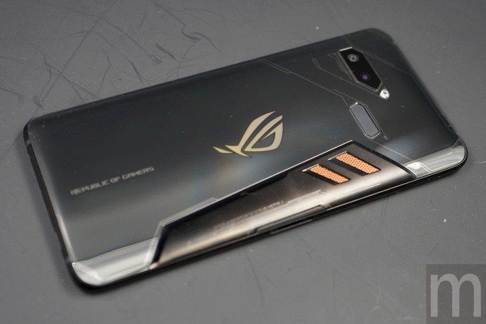 華碩第一款針對遊戲打造的手機產品-ROG Phone