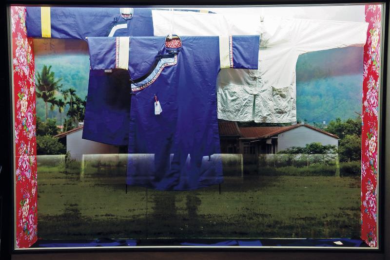 客家文化鮮明的代表就是藍衫,反映客家人勤勞樸實的意象。