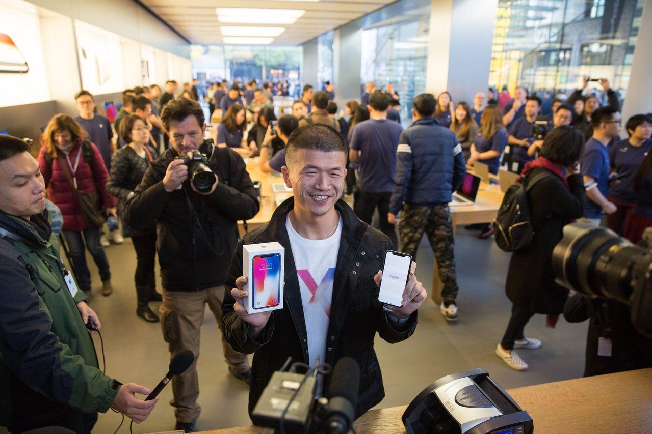 蘋果不僅在中國生產iPhone,對中國消費市場仰賴也日深。歐新社