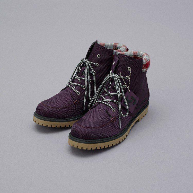 Kim Jones和GU最終合作系列女用登山鞋。圖/GU提供