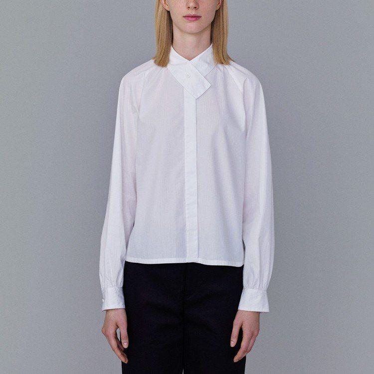 Kim Jones和GU最終合作系列設計領襯衫,890元。圖/GU提供