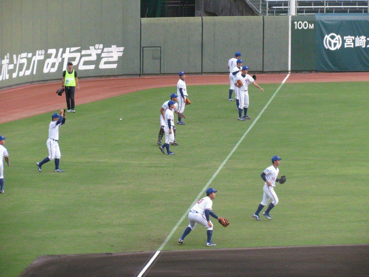 中華隊進行賽前練習。記者婁靖平/攝影