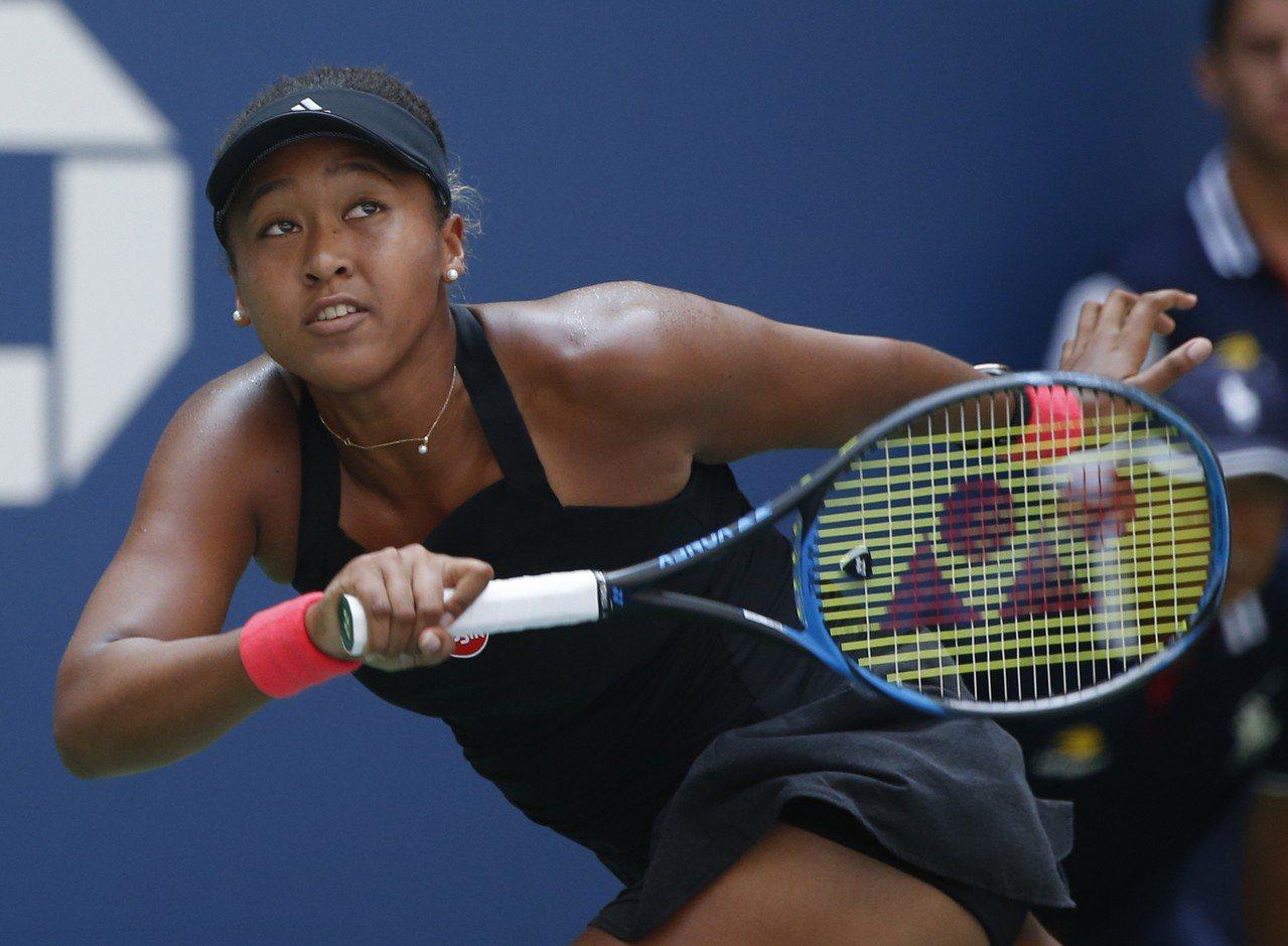 網球選手大阪直美在場上拚戰時,也配戴了星辰表。圖/美聯社