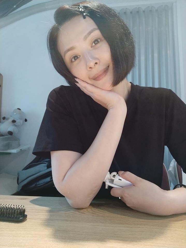 蕭淑慎曾是染毒藝人,這些年積極扭轉形象。圖/摘自臉書