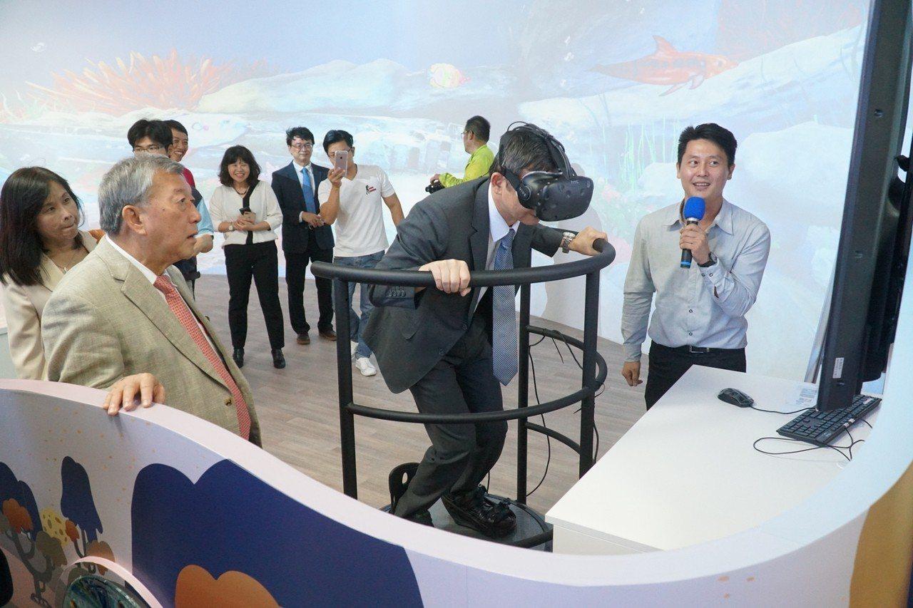 透過有效結合3D、AR及VR等資訊科技元素,以達數位動漫教育向下扎根的目標。記者...