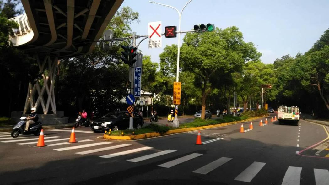 新竹市啟動「寶山路段調撥車道建置計畫」一年多,市府大數據資料顯示寶山路平均車速提...