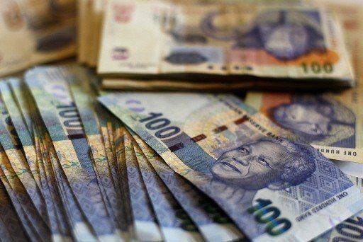 日本野村控股的報告顯示,南非、阿根廷、埃及等七個新興市場面臨匯率危機風險。圖為南...