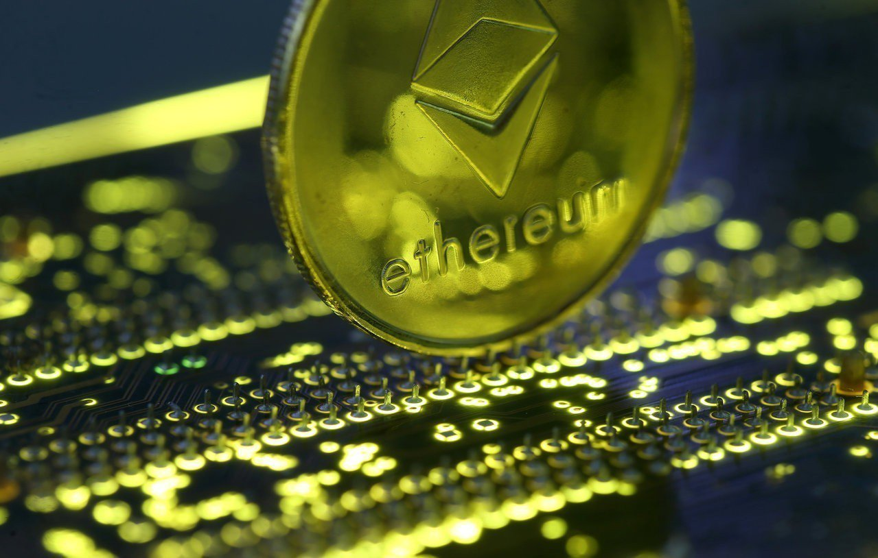 加密貨幣以太幣近期暴跌,整體加密貨幣的市值較年初蒸發六千四百億美元。 (路透)