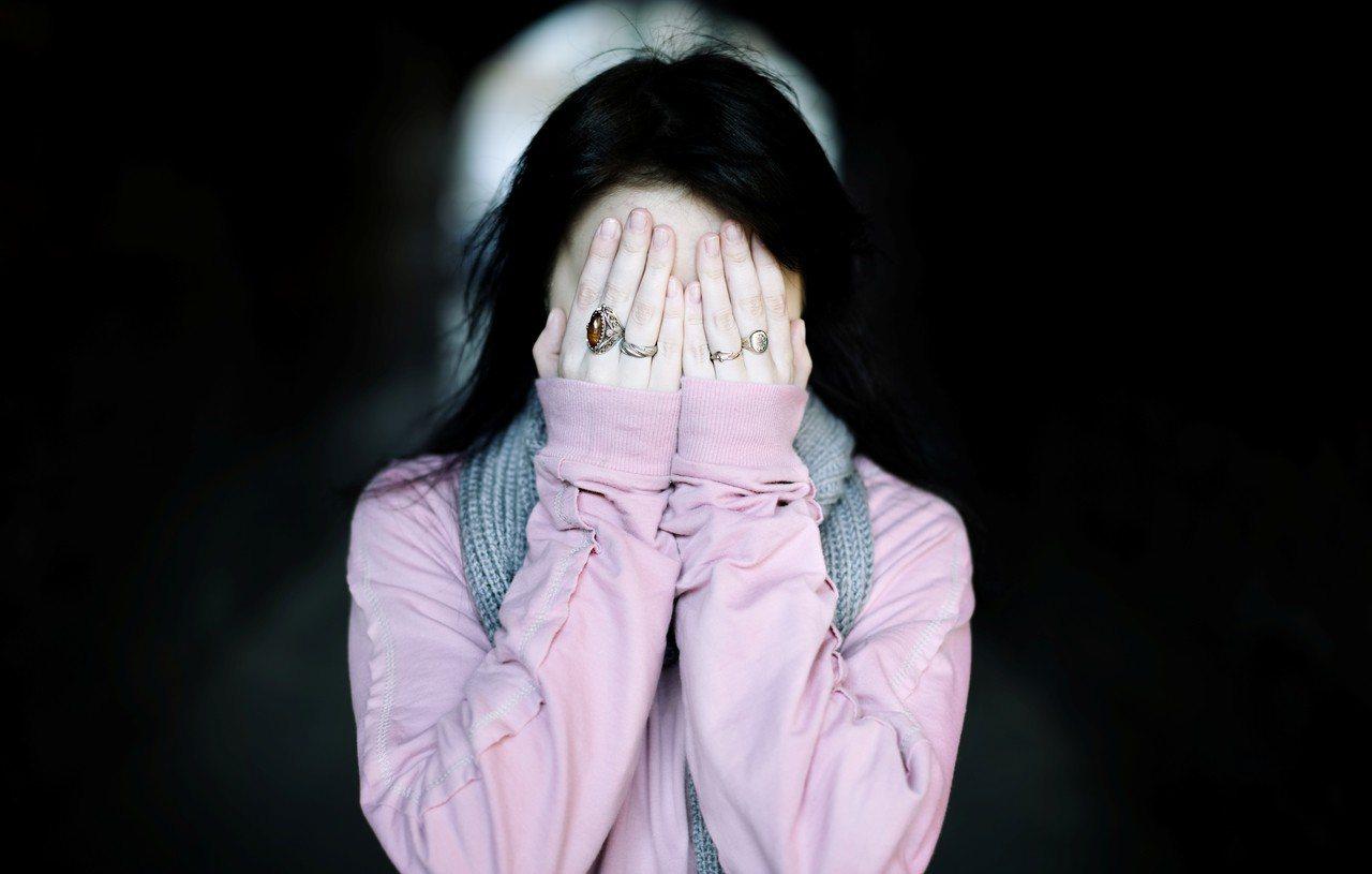 示意圖。台北市1名男子去年酒後假藉心理輔導為由,2度將女兒叫進房間,涉嫌強制性交...