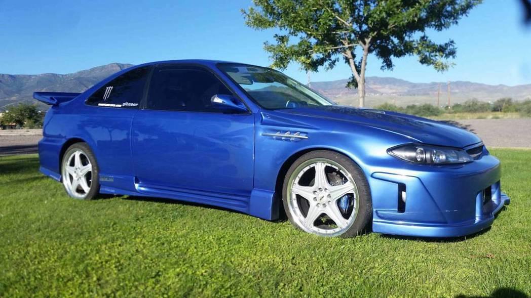這車側線條像極了R33 GT-R。 摘自Phoenix Craigslist