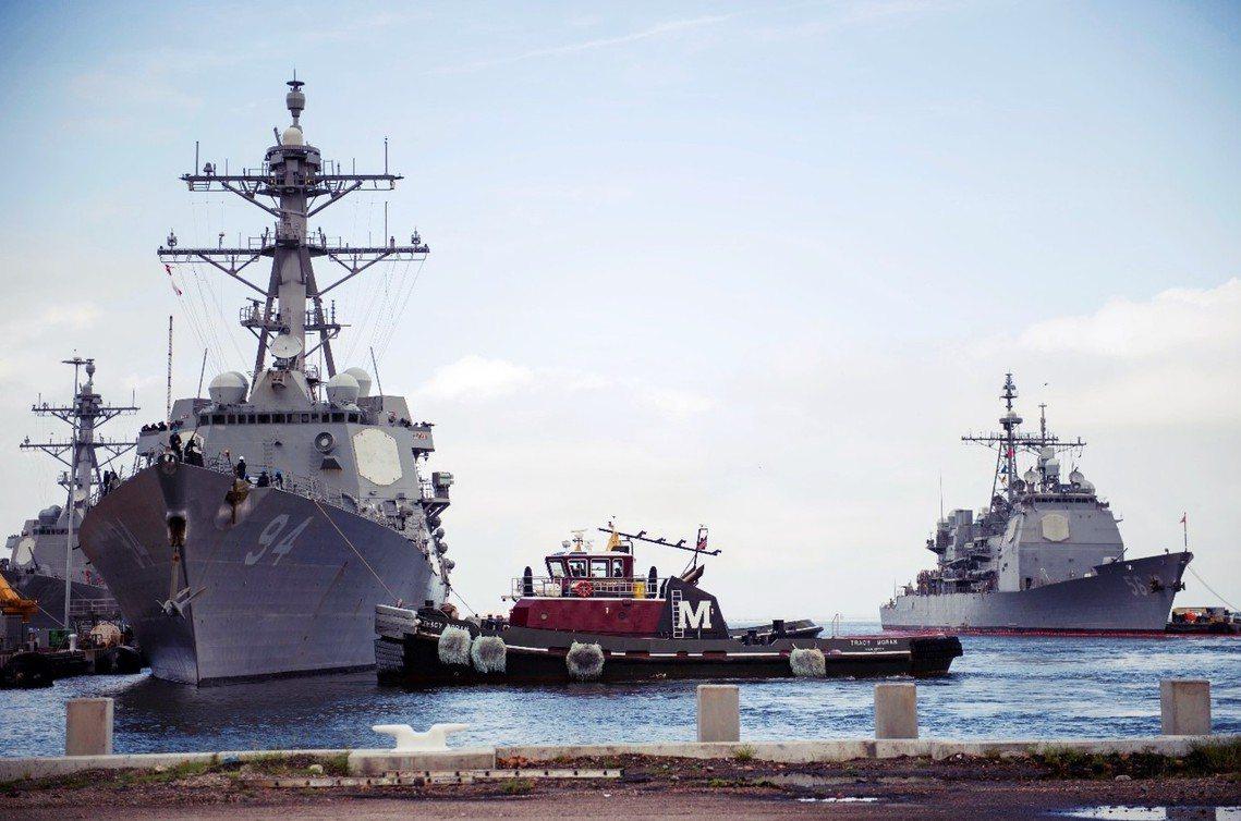 收到命令,9月10日要緊急從諾福克軍港出海的美軍神盾艦。 圖/美聯社
