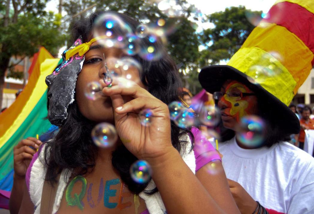 2009年,德里高等法院作出判決,認為雞姦罪侵害了同性戀者的自由和隱私權而違憲。圖為2009年同志運動者。 圖/歐新社