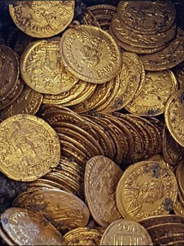 此金幣的價值超過數百萬歐元。圖擷自Facebook