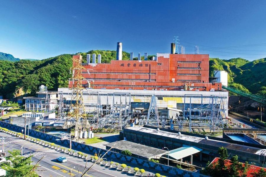 綠色和平11日發表最新研究報告指出,深澳燃煤電廠在2025年持續營運15年後,全...