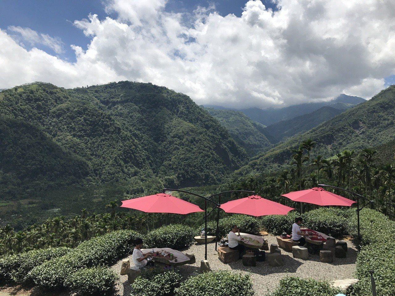 太興大地茶席。圖/阿里山風景區管理處提供