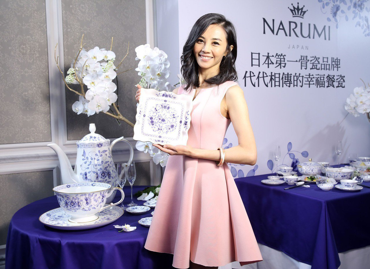 歷經二次世界大戰,NARUMI品牌宗旨在於期望帶給使用餐瓷的人們快樂與滿足,並在...