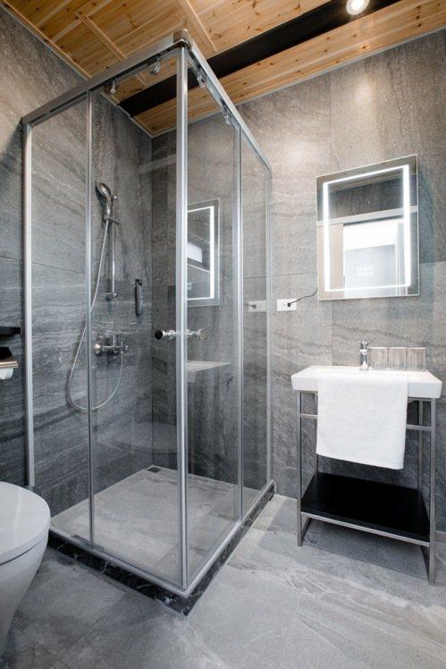 瑭麗莊精品衛浴很科技,高雄建材展未演先轟動。 圖/業者提供