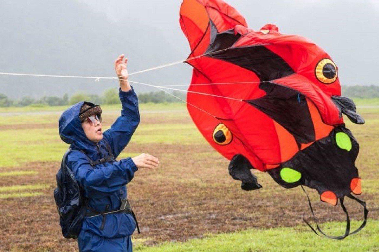 桃園市府今年10月選定中庄調整池景觀土丘辦國際風箏節。圖/桃園市政府新聞處提供
